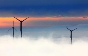 Popularnym w zielonym marketingu sloganem jest stwierdzenie, że 100% zużywanej przez firmę energii pochodzi ze źródeł odnawialnych