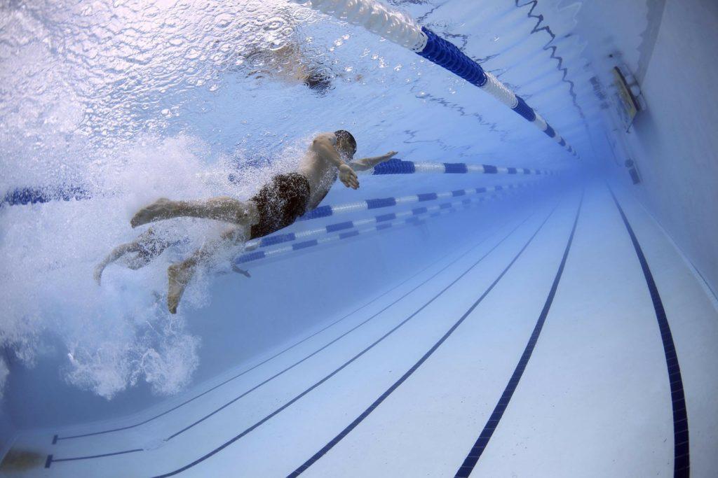 Polscy naukowcy opracowali metodę na oszczędniejszą dezynfekcję basenów